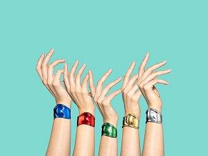 Tiffany Bone手环50周年亮色出击红、蓝、绿款式挑战时尚迷